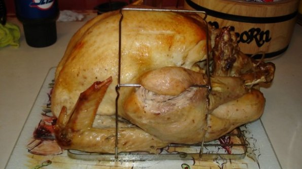 Step by step intructions for preparing and cooking a turkey