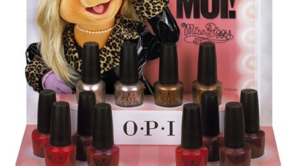Holiday Must Have: OPI Holiday Nail Lacquers #Giveaway