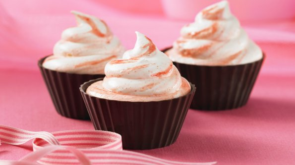 Red Velvet Ice Cream Cupcakes #recipe Smucker's
