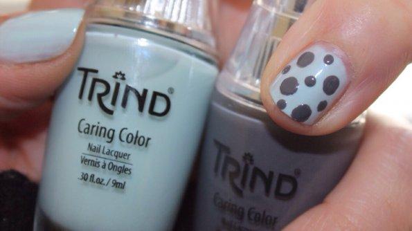 Nail art light blue and grey
