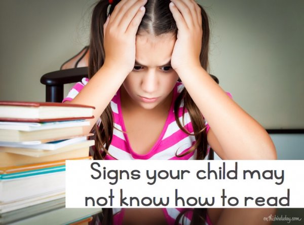Signs that your child may not know how to read. Original photo by kmiragaya on fotolia