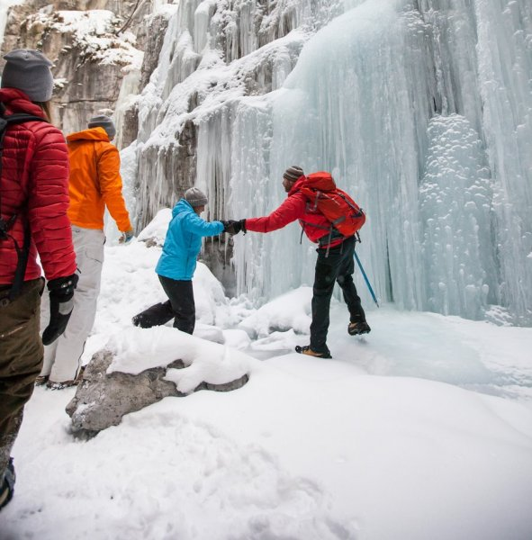 Maligne Canyon Ice Walk. Photo credit: Destination Canada