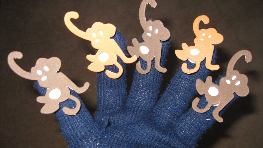Turn an Old Glove in to a Story Mitt for Kids – Craft Project