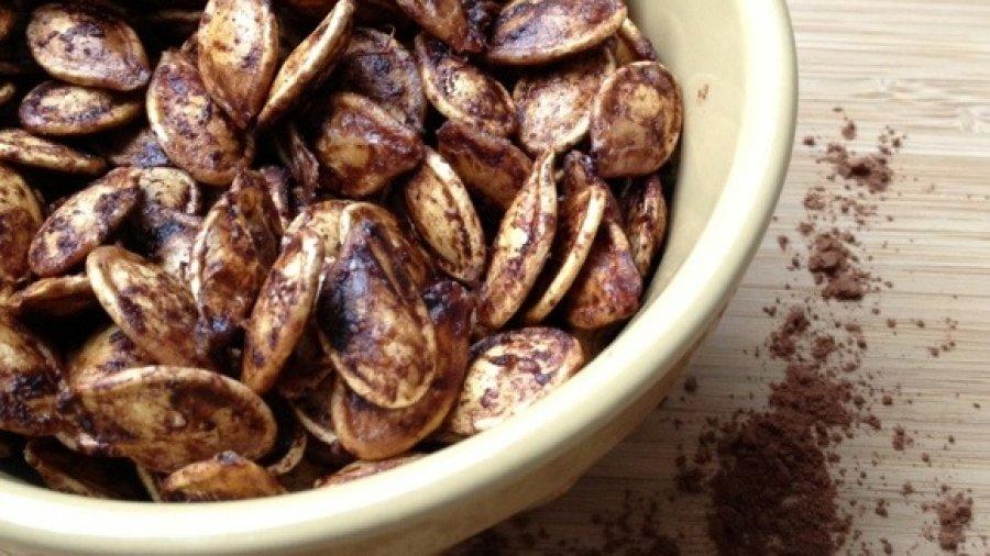 Chocolate Roasted Pumpkin Seeds (Recipe)