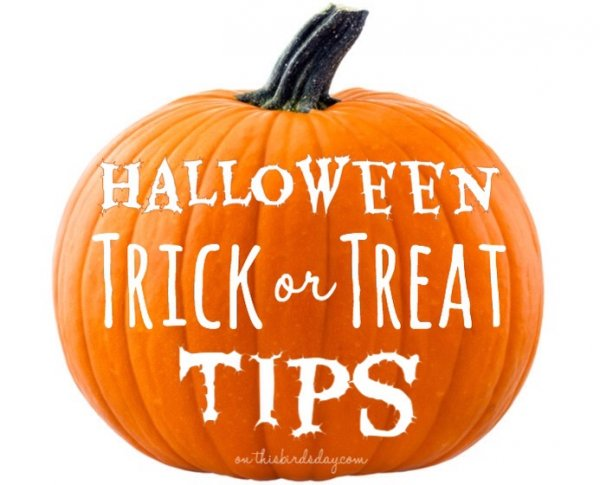 Tips for a successful Halloween Trick or Treat. Photo credit to Mariusz Blach on Fotolia
